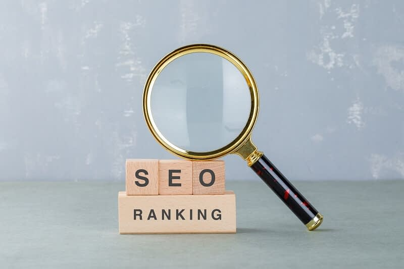 B2B SEO is a great strategy to bring organic traffic to your business with a minimum budget. the b2b digital marketing strategies for organic traffic